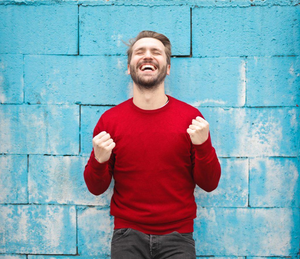 Selbstvertrauen aufbauen - Erfolgserlebnisse und positives Feedback helfen dabei - und davon profitieren Sie persönlich, bei der Arbeit und im Privatleben.