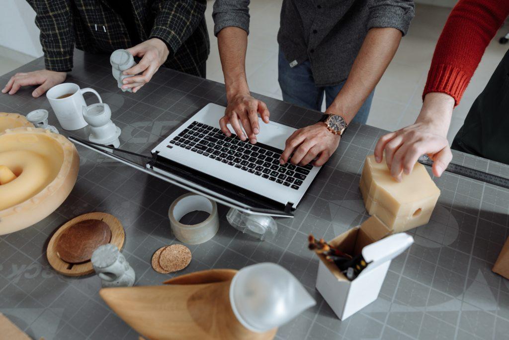 Benötigen neue Arbeitsformen und -techniken auch neue Soft Skills? Wir haben es untersucht!