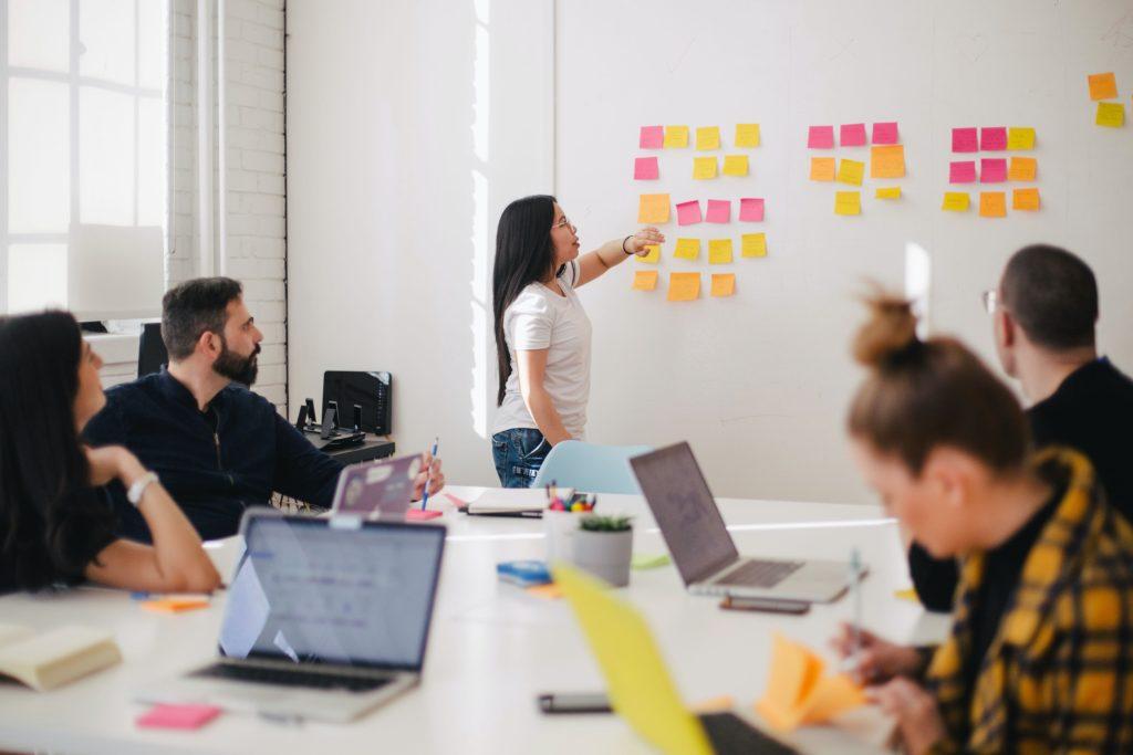 Der Mensch im Mittelpunkt - erfolgreiche Unternehmen haben das erkannt und pflegen eine entsprechende Kultur.